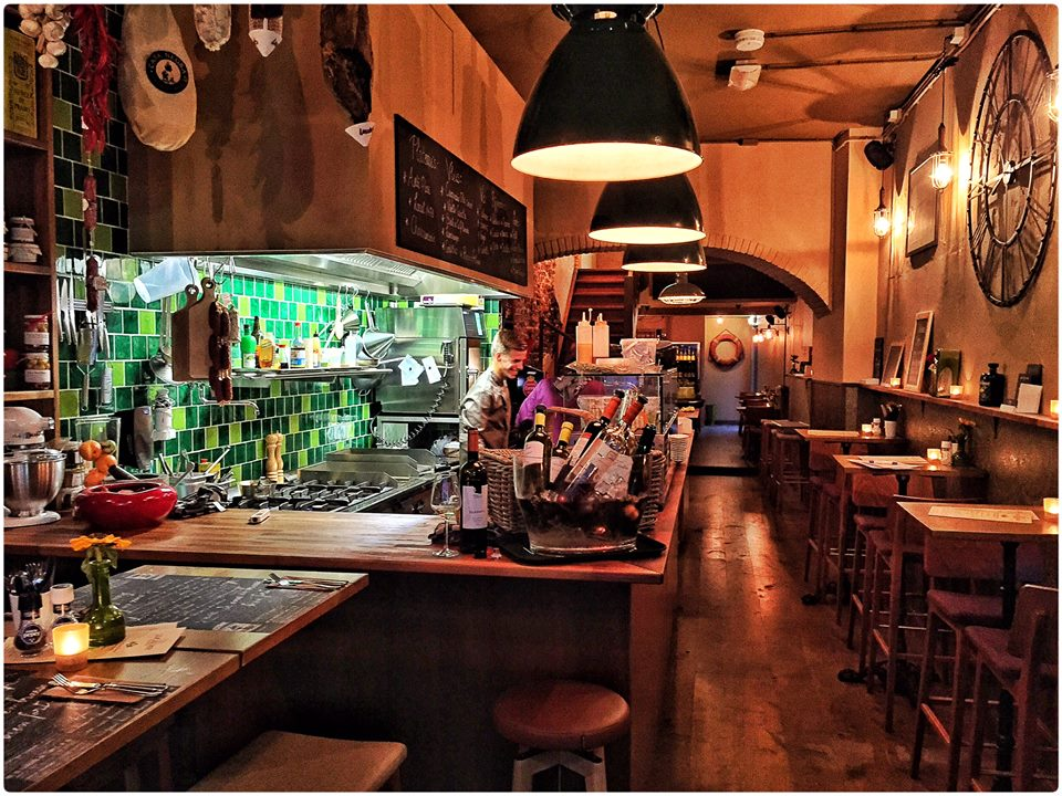 Tappas restaurant. local 1478